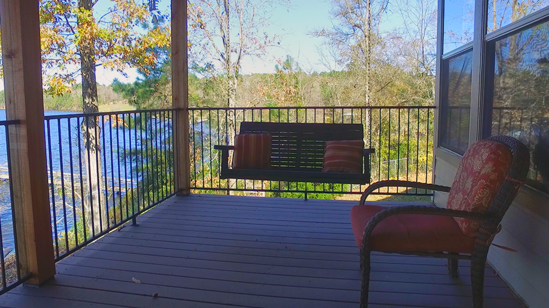 Back Patio Swing - Toledo Bend Lakehouse