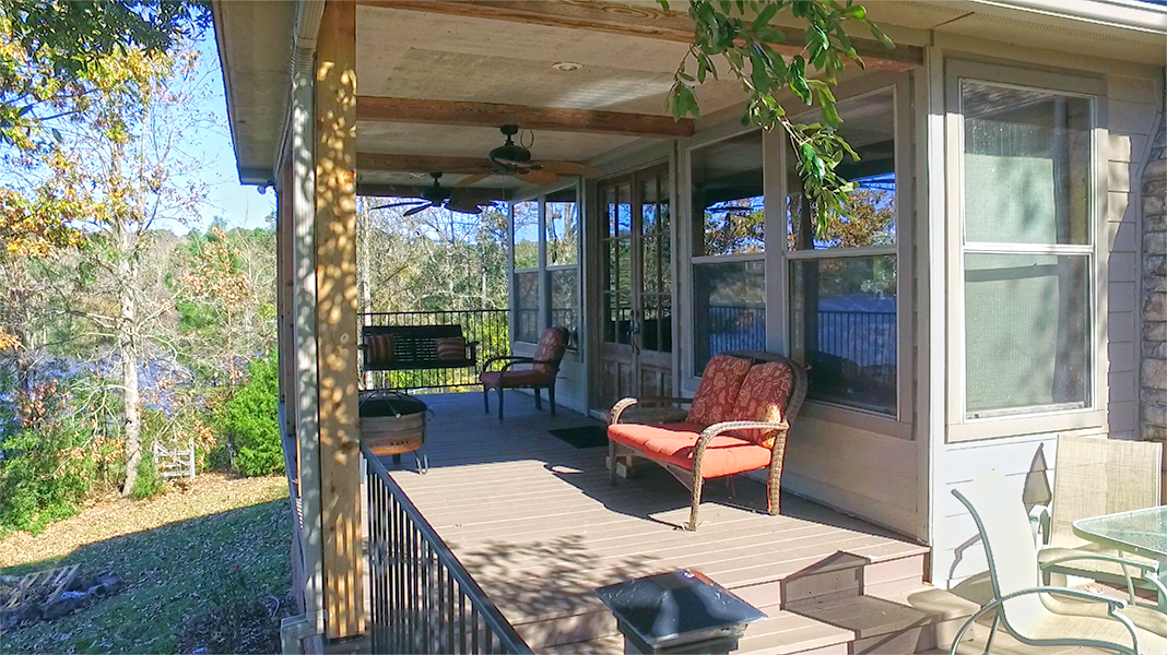 Back patio from side - Toledo Bend Lakehouse