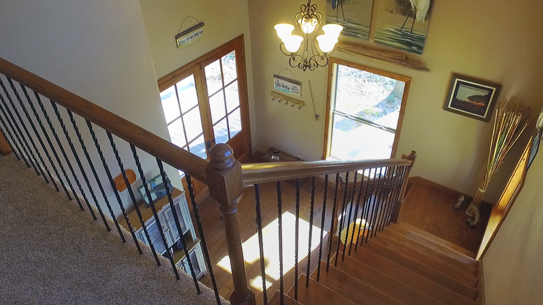 Entryway from upstairs  - Toledo Bend Lakehouse