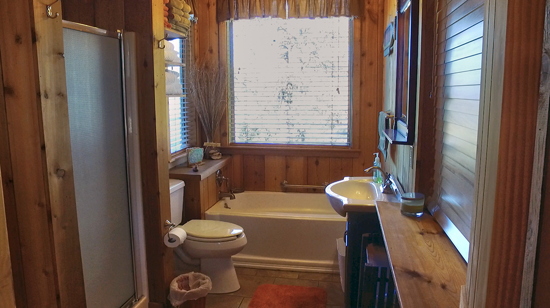 Master Bathroom  - Toledo Bend Lakehouse
