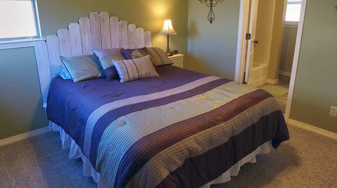 Queen Guest Bedroom and Bathroom  - Toledo Bend Lakehouse