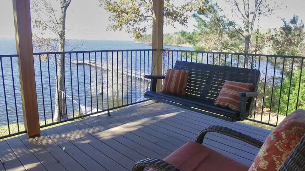 Swing on Back Patio  - Toledo Bend Lakehouse