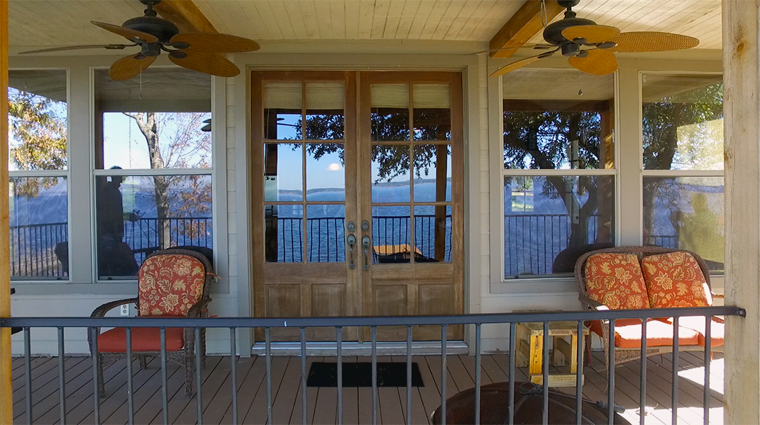 View of back patio entrance - Toledo Bend Lakehouse